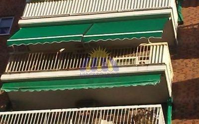 Toldos brazo stor, instalación en el barrio de Vallecas