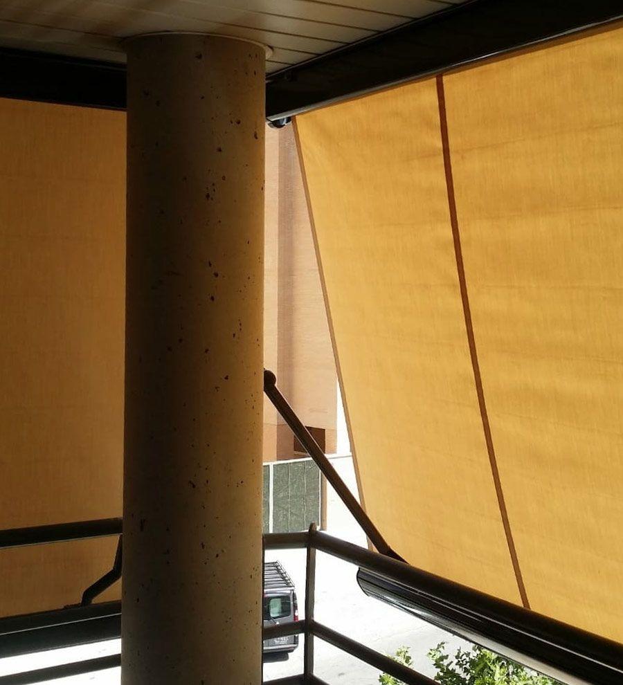 Instalación toldo punto recto en Barajas